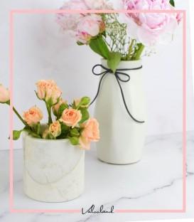 گلدان سنگی کوچک سفید