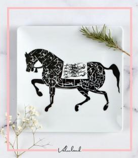 بشقاب مشکی طرح اسب