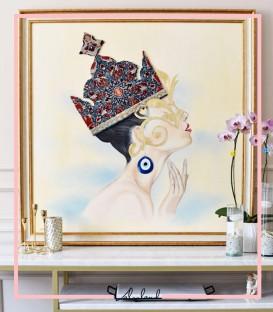 تابلو ملکه تاجدار زمینه سرمه ایی