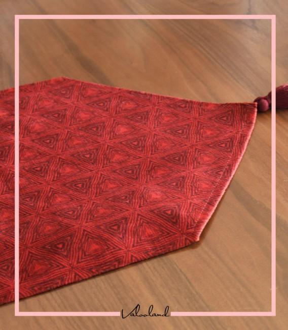رانر طرحدار مثلث کوچک