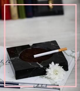 زیر سیگاری سنگی داخل دایره مشکی مربع