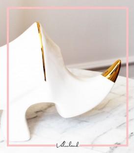 مجسمه سرامیکی سفید طرح کرگدن