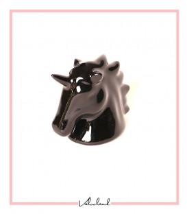 مجسمه سر اسب شاخدار مشکی متالیک بزرگ