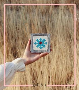 زیر لیوانی گلیمی برف