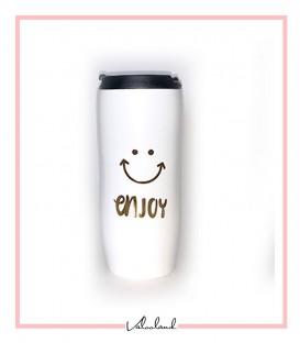 ماگ همراه لبخند در دار سفید با در مشکی