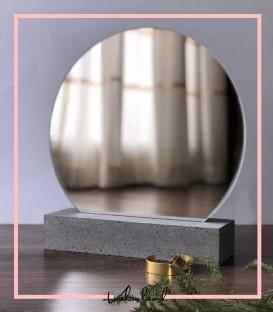 آینه با پایه آینه سنگی طوسی