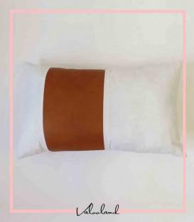 کاور کوسن چرمی با ترکیب رنگ سفید